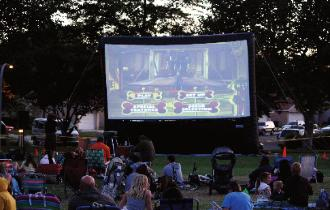 Inflatable Movie Screen Rentals Rent An Inflatable Movie